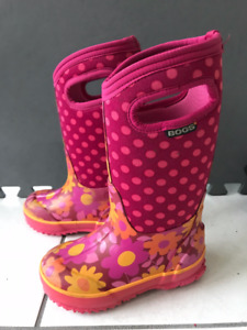 Girls Winter Boots Size 10 - BOGS