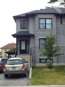 Grand Duplex à louer - Déneigement inclus Gatineau Ottawa / Gatineau Area image 1