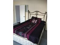 Spacious double room available now