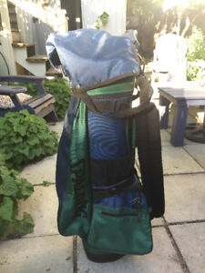 Spalding Golf Bag excellent condition with rain cover