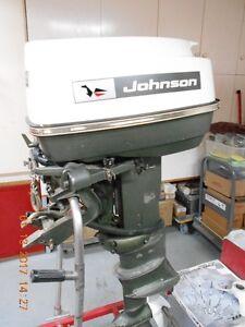 MOTEUR HORS BORD / JOHNSON 33 HP - A1