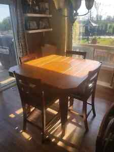 Pub style kitchen table with 6 chairs Kawartha Lakes Peterborough Area image 1