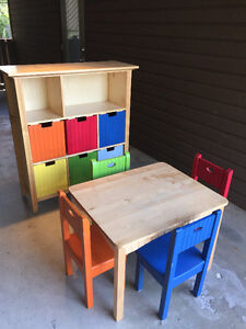 Kids table, 4 chairs and toy shelf