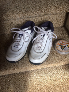 Men's size 8 Dunlop Golf Shoes