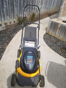 Cub Cadet CC500 Battery powered Lawn Mower