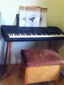 yamaha psr 500 keyboard with stand, foot pedal and books
