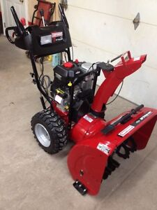 """27""""/13.5  OHV. Snowblower, 2 years old!"""