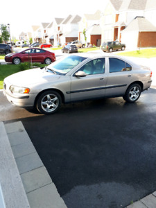 Volvo S60 2003 2.5T  AWD full equipped Nego