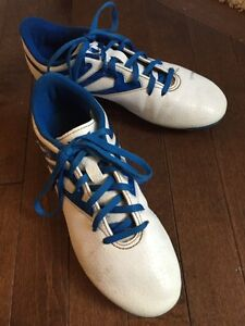 Adidas soccer cleats size 5.5