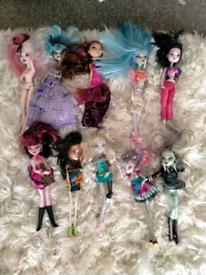 23 monster high dolls
