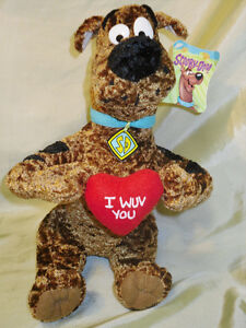 """Scooby-Doo with """"I Wuv you"""" heart"""