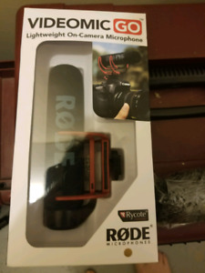 BRAND NEW Rode microphone + Wind Resistant sleeve