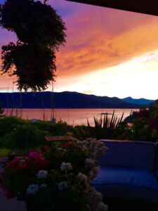 Semi Waterfront High End Contemporary home, 3800ft