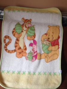 Disney baby blanket in very good condition