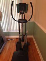 Appareil d'exercice elliptique Épic E950