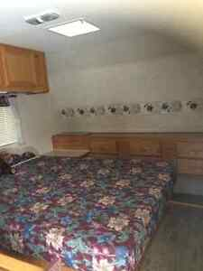 23' Prowler Limited Edition Fleetwood Trailer - Canadian Edition Peterborough Peterborough Area image 4