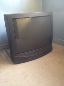 28 inch TV with great picture and sound