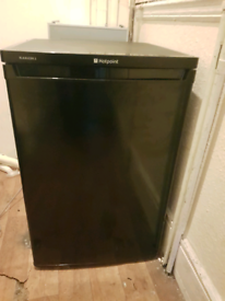 Hotpoint under fridge in very good condition perfect working order