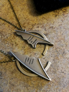 Star Trek best friends necklace