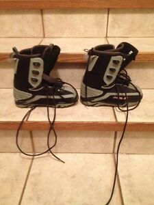 Mole snowboard boots (size 4.5 youth)