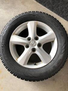 Mags Mazda 15 pouces et pneus d'hiver Toyo Observe GSI-5
