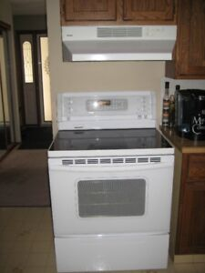 """ KENMORE   ELECTRIC  RANGE  AND HOOD  VENT"