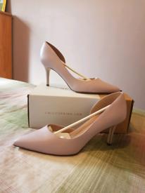 Court shoes/heels