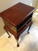 'ANTIQUE' SIDE TABLE