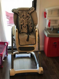 Infant and toddler items in excellent condition