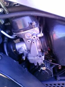 SUZUKI GSXR750 1992-93 WATTER COOLED PARTING OUT Windsor Region Ontario image 8