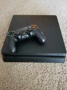 Selling mint condition ps4 slim 500gb w/ 1 controller
