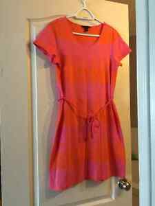 Two Hilfiger dresses - like new - size medium Edmonton Edmonton Area image 3