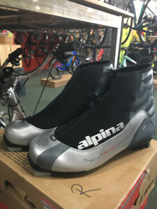 Cross Country Classic Boot - Size 44
