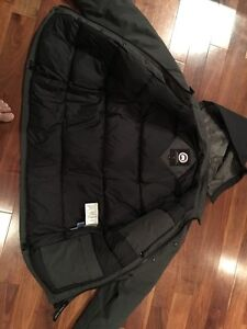 """Canada Goose Authentic Jacket  - Small 40"""" chest  Kitchener / Waterloo Kitchener Area image 2"""