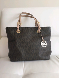3532d28658167c Tote Michael Kors | Kijiji in Calgary. - Buy, Sell & Save with ...