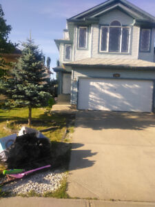 BEAUTIFUL 2-STOREY HOME IN LEWIS ESTATES (WEST END) FOR RENT