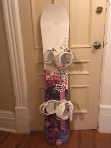 Selling 140cm snowboard with boots and bindings