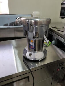 Ruby commercial Juicer ( Excellent condition )