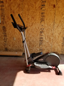 Free Spirit Elliptical 900 Cardio Cross Trainer