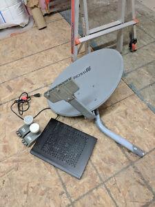 ExpressVu 6131 HD decoder and digiwave elliptical dish + 2 LNBs