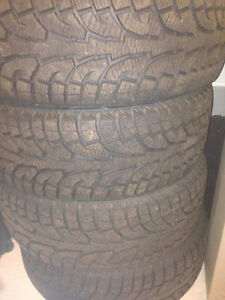 275/55R20 Hankook iPike Winter Tires (Truck) - only 2000 kms...