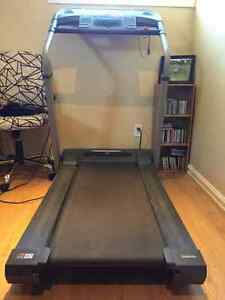 Treadmill For Sale-- GOOD Condition Cornwall Ontario image 4
