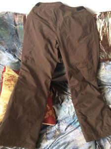 Manteau à vendre avec deux pantalons de neige Saguenay Saguenay-Lac-Saint-Jean image 7