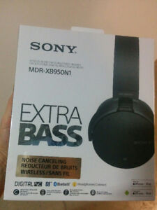 Save $44 on New Sony Noise-free Headphone with Mic MDRXB950N1/B