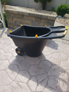 Gardening Cart/Wheel Barrow in good condition