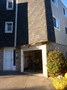 All Inclusive - 3 BDRM TOWNHOUSE.