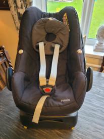 Maxi cosi pebble car seat and iso fix