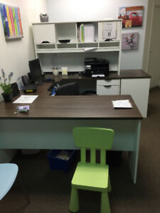 PRACTICALLY NEW U-SHAPED OFFICE DESK