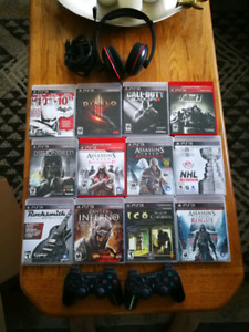Playstation 3 games, headset and controllers