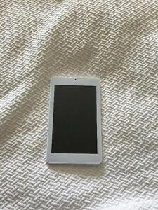 Selling Tablet Brand New - 5 Days Old